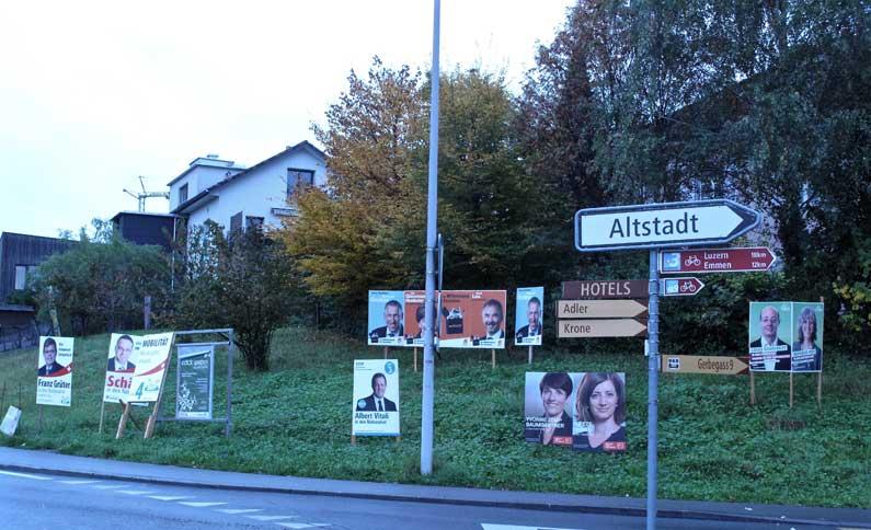 365 x Sempach Affiches électorales à l'entrée de Sempach